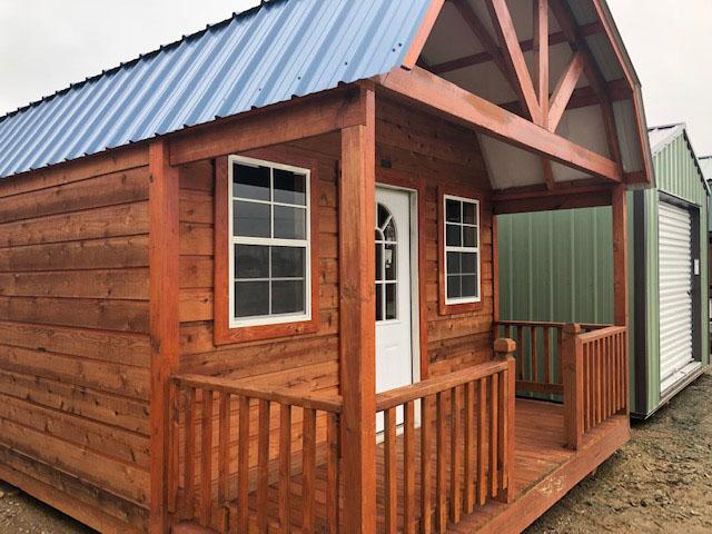 cabin_0005_WC barn cabin